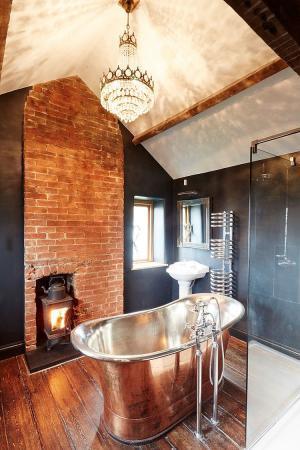 40 восхитительных ванных комнат с отделкой из кирпича и камня