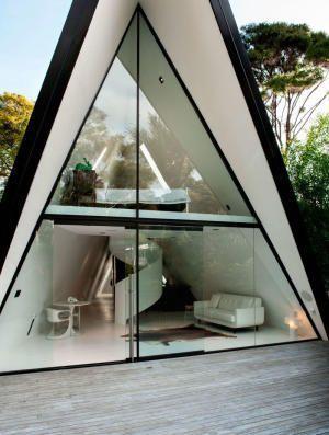 Рай в современном шалаше: 5 стильных домов-треугольников