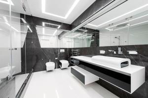 Ванная комната будущего в стиле hi-tech