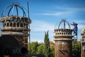 Терпение и труд: испанец на протяжении 55 лет сам строит собор