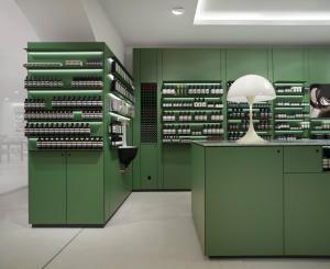 Косметические витрины от немецкой дизайн-студии einszu33